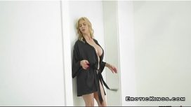 ولد يمارس الجنس مع امرأتين جميلتين للغاية
